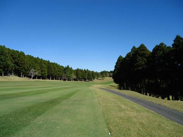 ⛳8/1(日)に(千葉・君津IC)鹿野山ゴルフ倶楽部にて開催される【千葉/関東地区予選会】 第9回全日本ヒルズ国際ジュニア選手権 兼 2021全豪ヒルズ国際ジュニアオープン日本代表選抜の受付を開始しました。   イメージ5